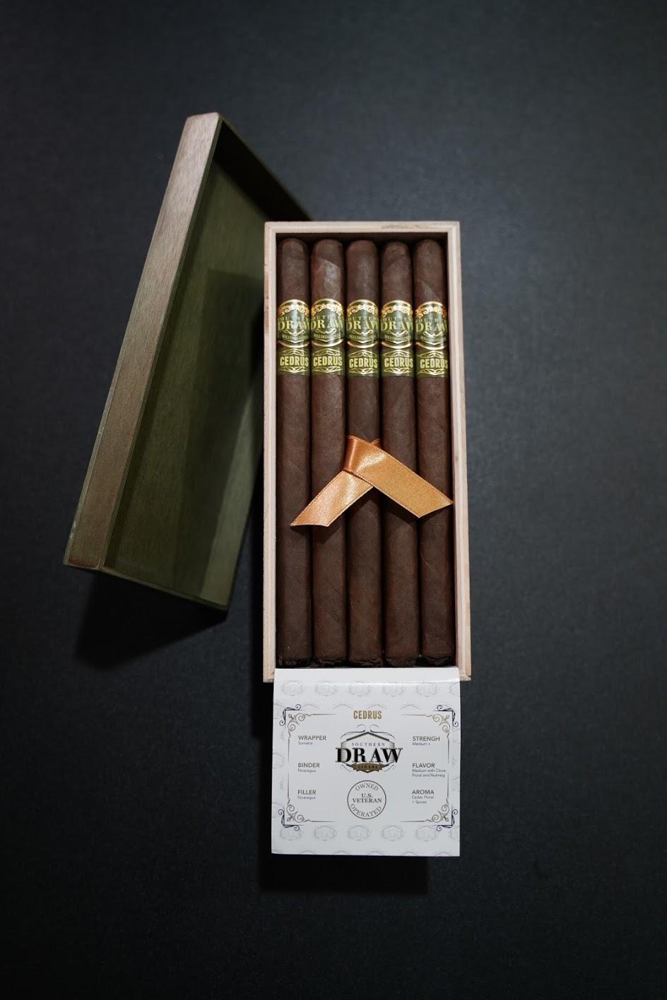 Southern Draw CEDRUS Lancero cigars box open