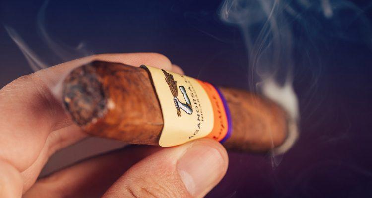 Aganorsa Leaf Supreme Leaf cigar review