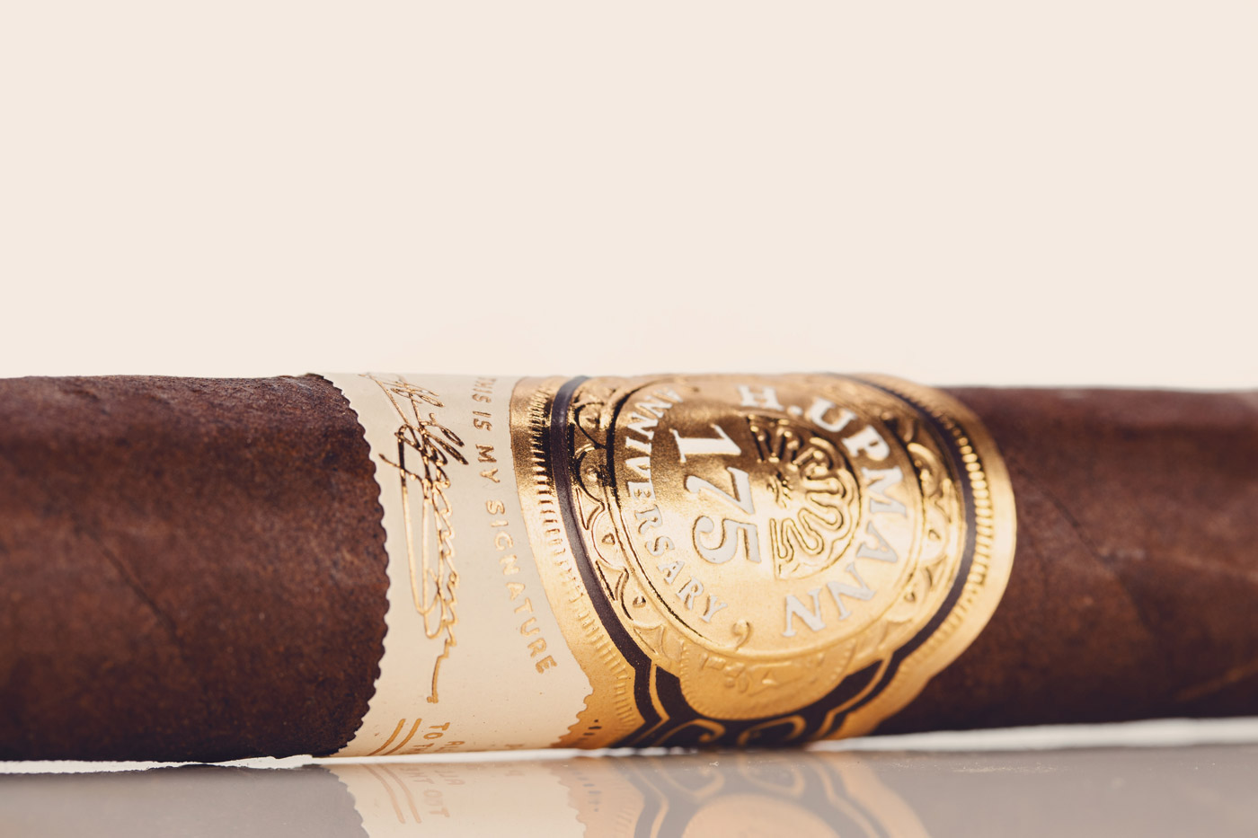 H. Upmann 175 Anniversary cigar review