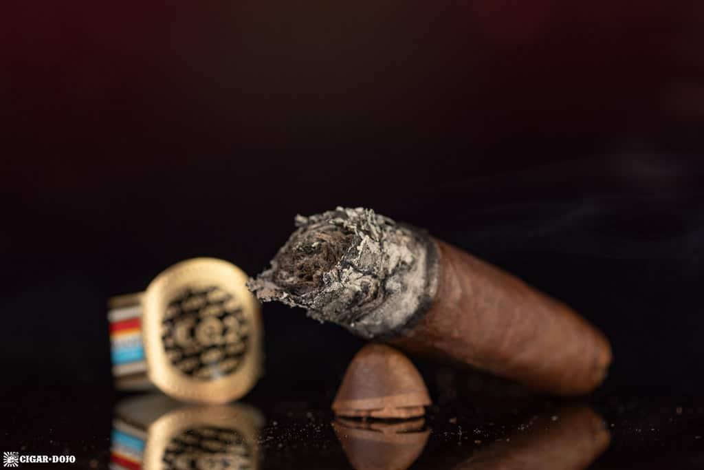 Tatuaje CQ2 cigar nub finished