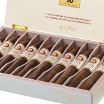 Joya de Nicaragua Cinco Décadas El Doctor cigar box open