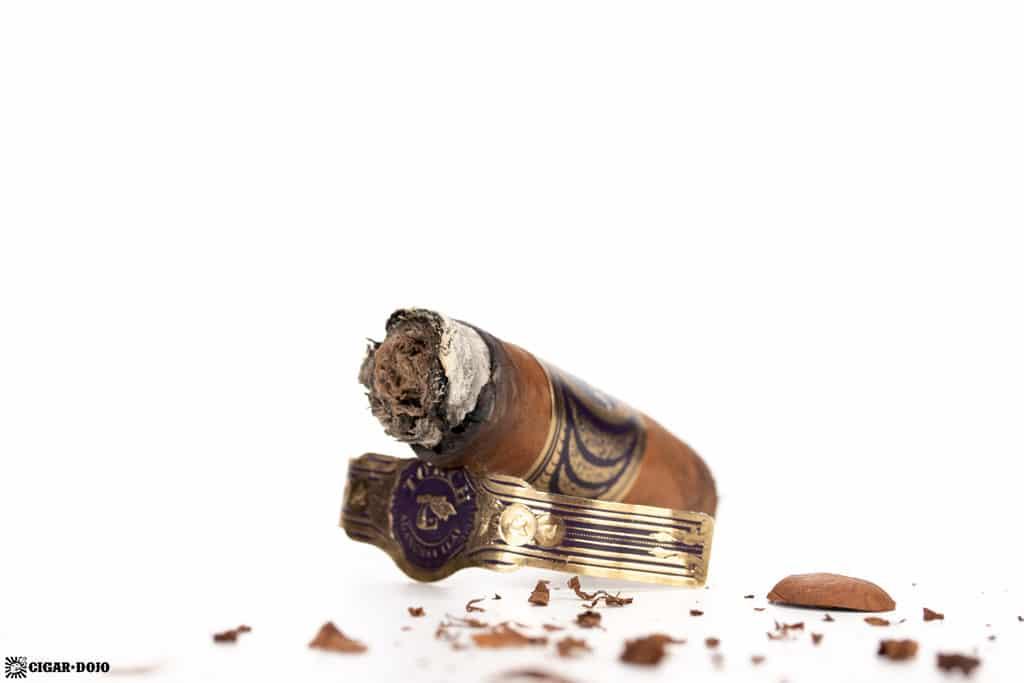 Aganorsa Leaf JFR Lunatic Torch Visionaries cigar nub finished