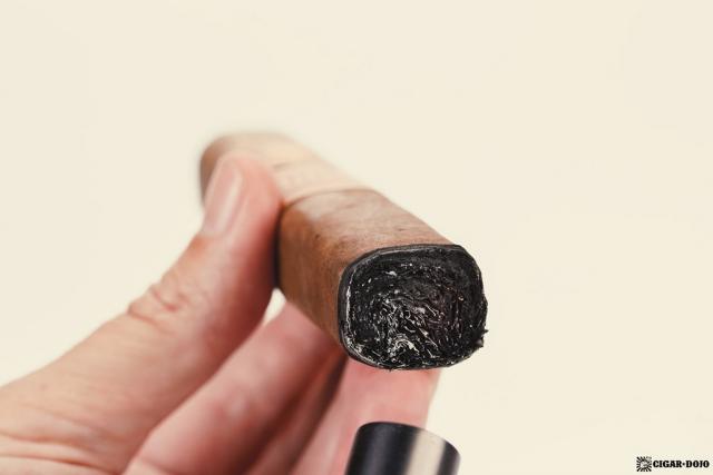 Drew Estate Undercrown Dogma Sun Grown lighting cigar