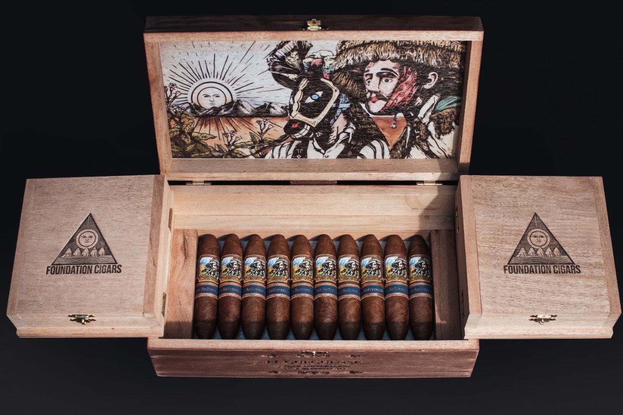 Foundation El Güegüense 5 Year Aniversario cigars in box