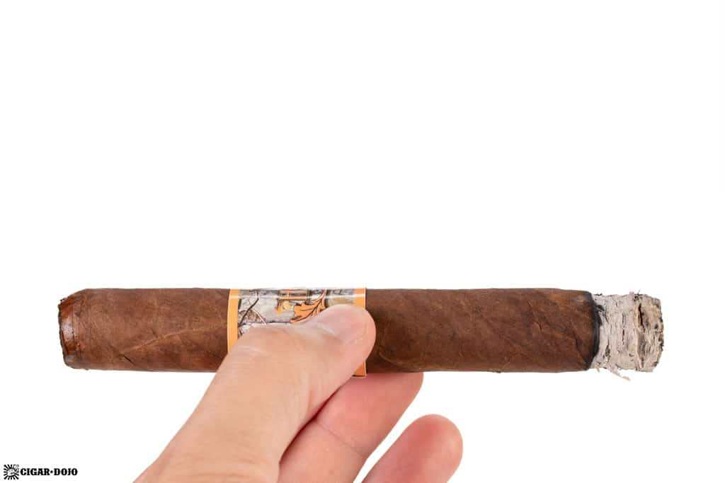 Oscar Valladares Wild Hunter Natural cigar smoking