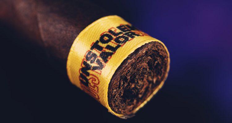 Muestra de Saka Unstolen Valor cigar review
