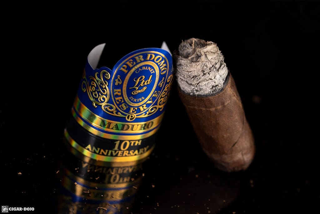 Perdomo Reserve 10th Anniversary Box-Pressed Maduro Epicure cigar nub finished