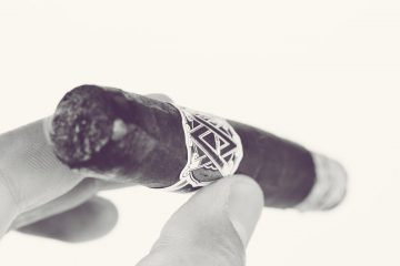 AVO Classic Maduro Robusto cigar review