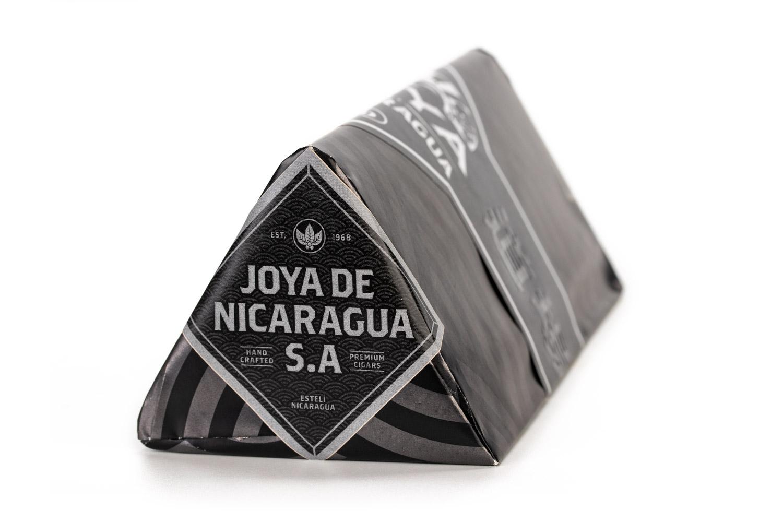 Joya Ninjaragua cigar box triangular shape