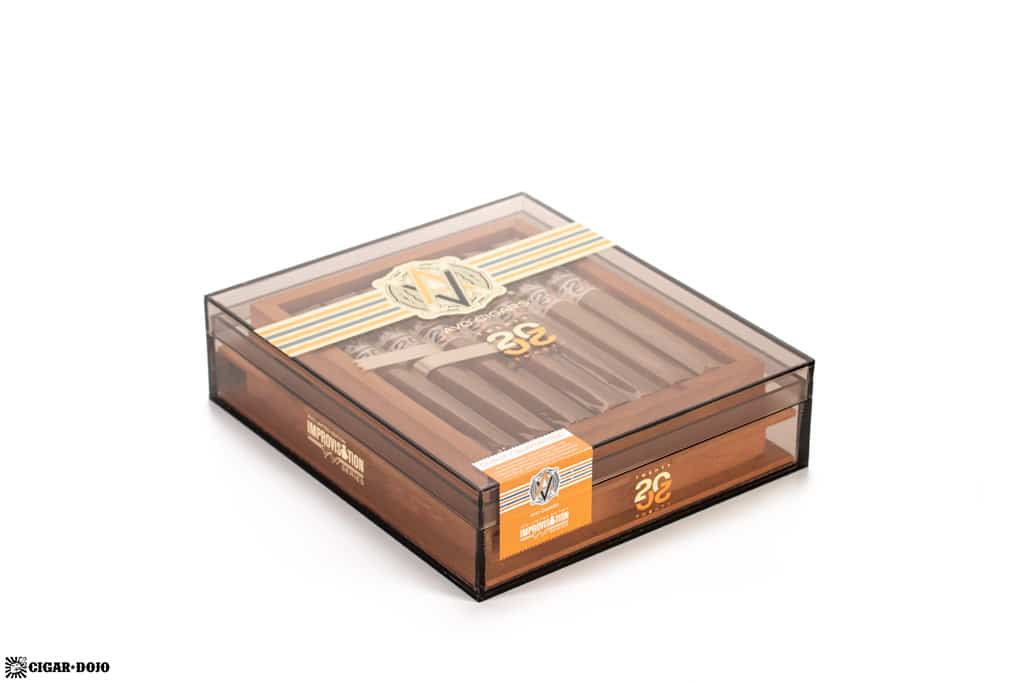 AVO Improvisation Series LE20 cigar box closed