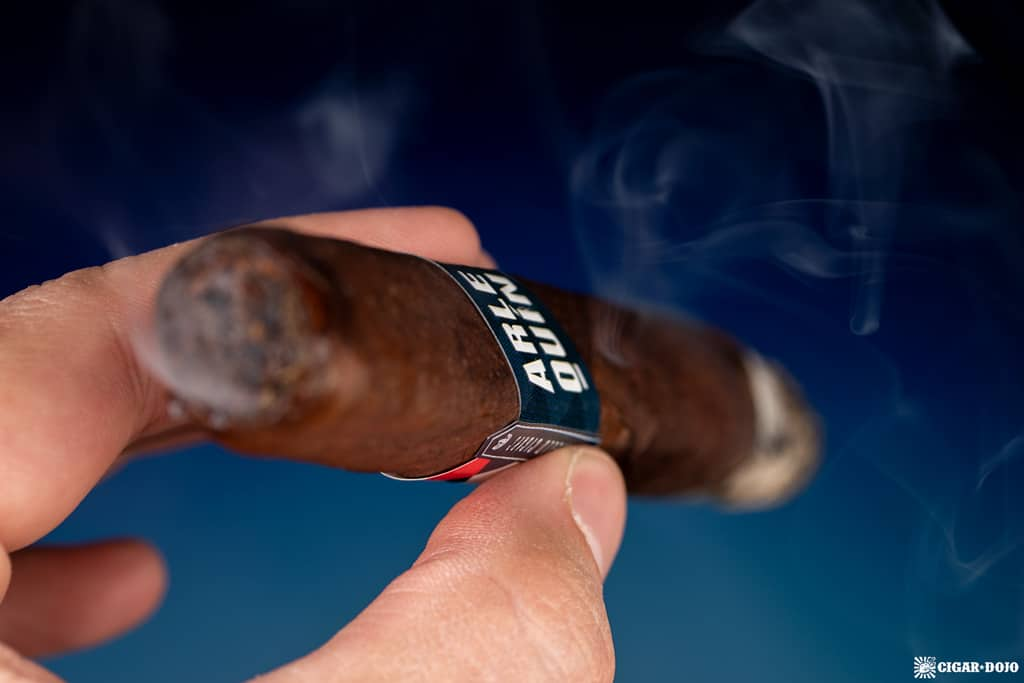 Fratello Arlequín Toro cigar smoking