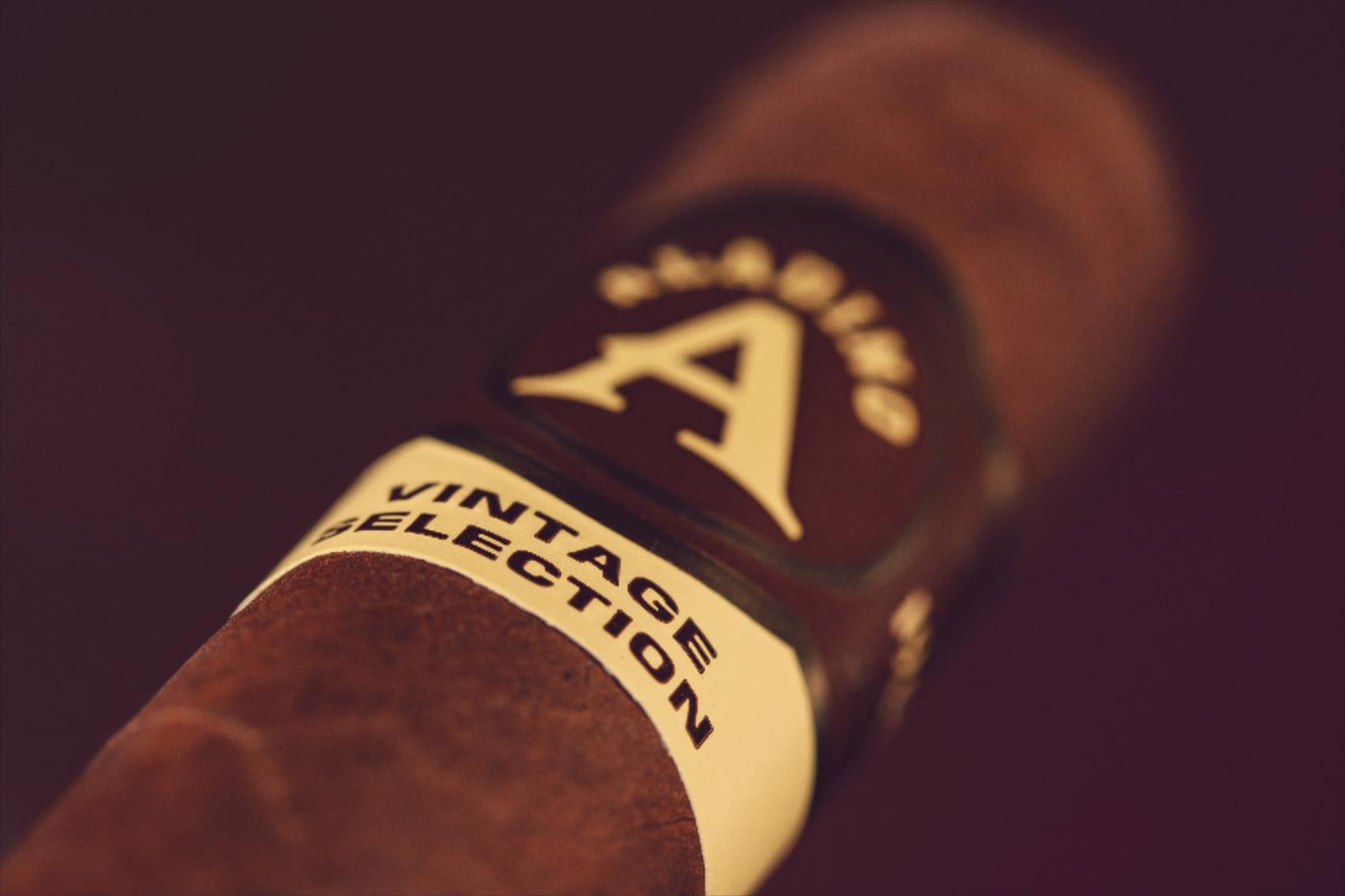 Aladino Habano Vintage Selection Rothschild cigar review