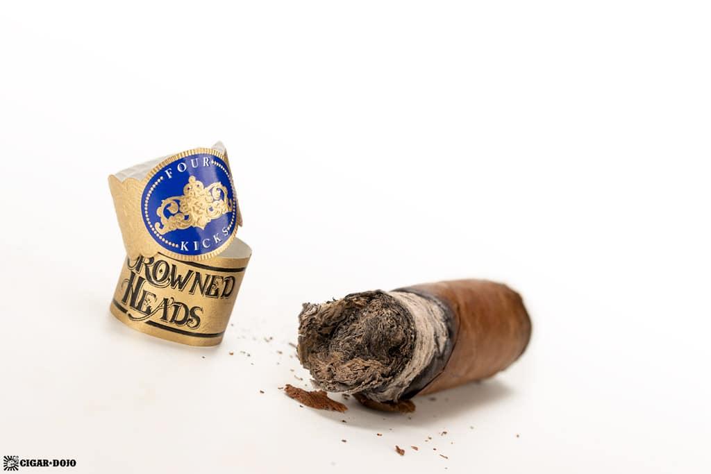 Four Kicks Capa Especial Robusto cigar nub finished