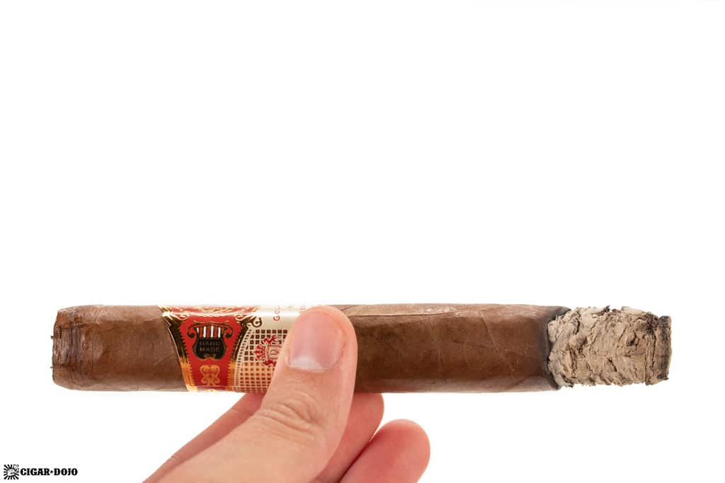 D'Crossier Golden Blend Reserva Magnum cigar ash