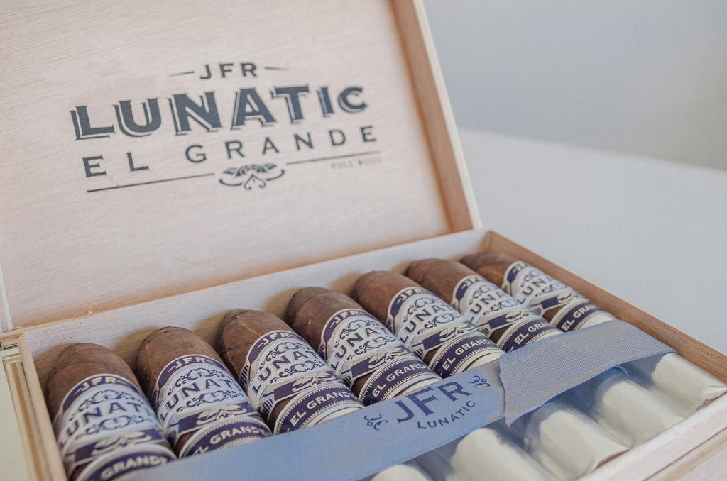 Aganorsa Lunatic El Grande Maduro cigars in box