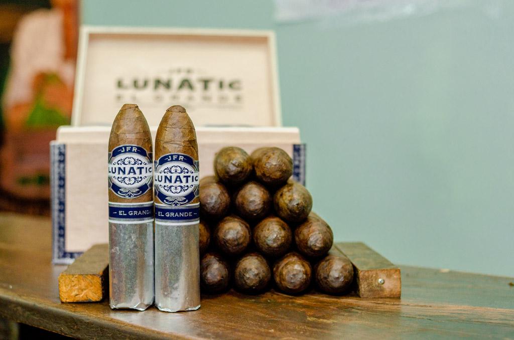 Aganorsa Lunatic El Grande Maduro cigars