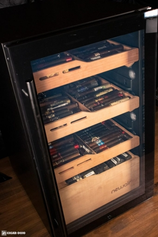 NewAir NCH840BK00 840 Count Humidor door closed filled with cigars