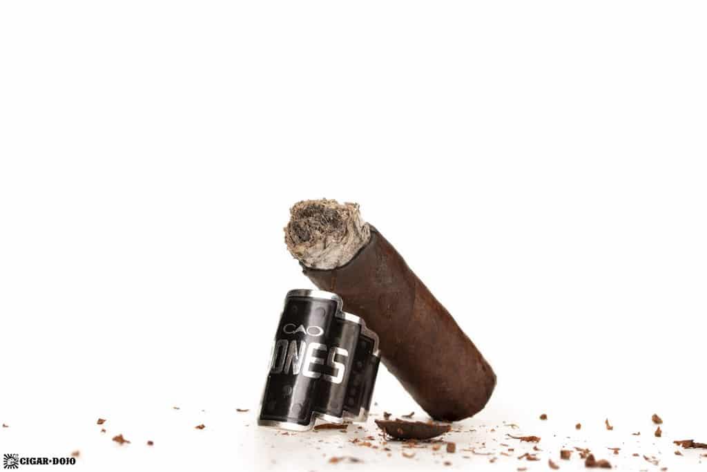CAO Bones Chicken Foot cigar nub finished