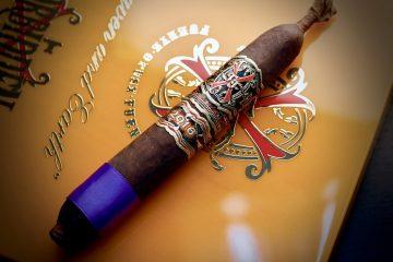 Fuente Fuente OpusX Serie Heaven and Earth BBMF Maduro 2021 cigar
