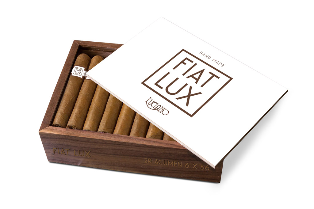 ACE Prime Luciano Fiat Lux cigar box open