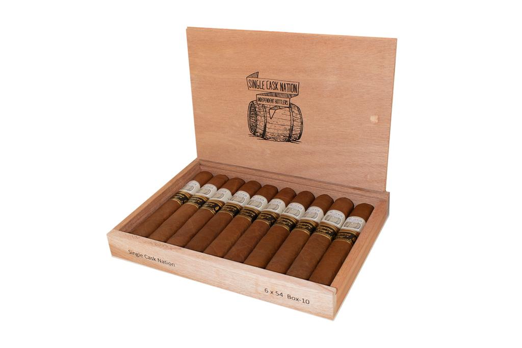 Single Cask Nation 2021 cigar box open