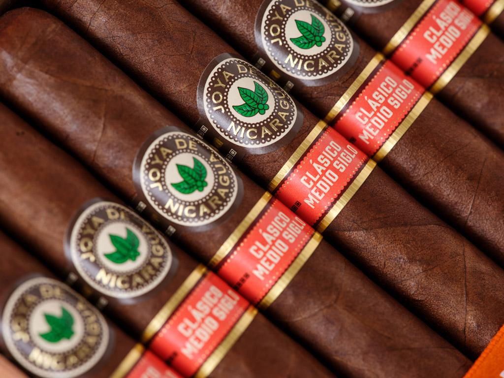 Joya de Nicaragua Clásico Medio Siglo cigars