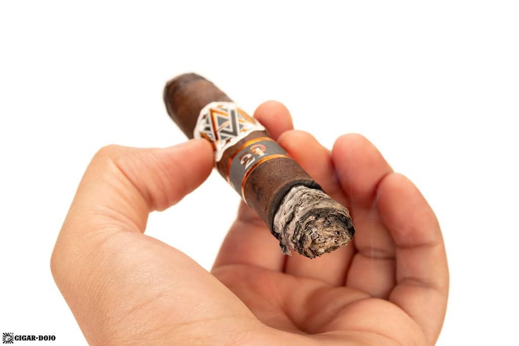 AVO Improvisation LE21 cigar ash