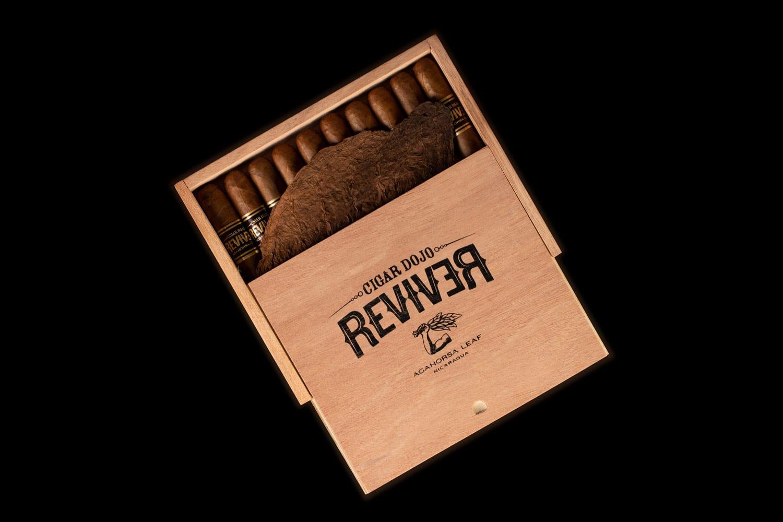 Aganorsa Leaf ReviveR 2021 cigar box open