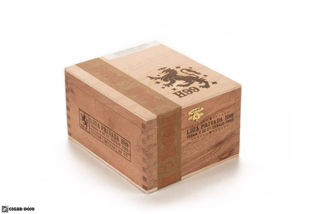 Liga Privada H99 Toro cigar box closed
